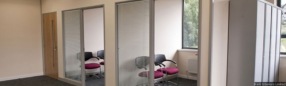 Komfire 75 – 75mm Square Edge Partitioning